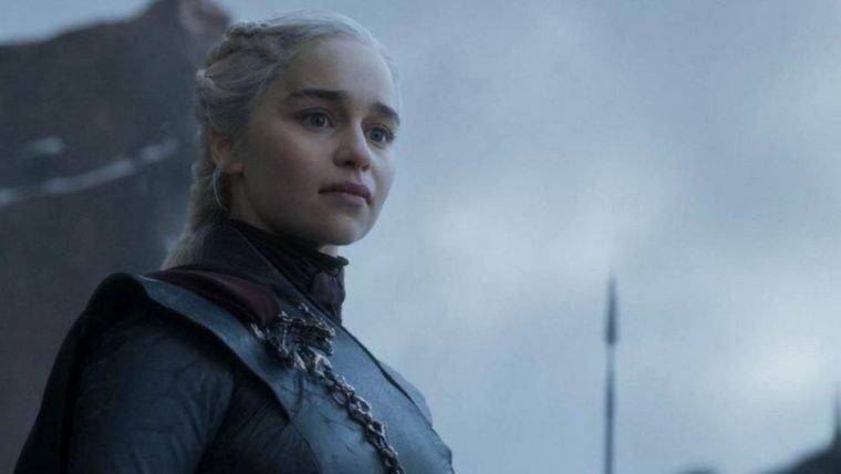 Game of Thrones | Emilia Clarke assistiu a vídeos de Hitler para fazer cena do discurso