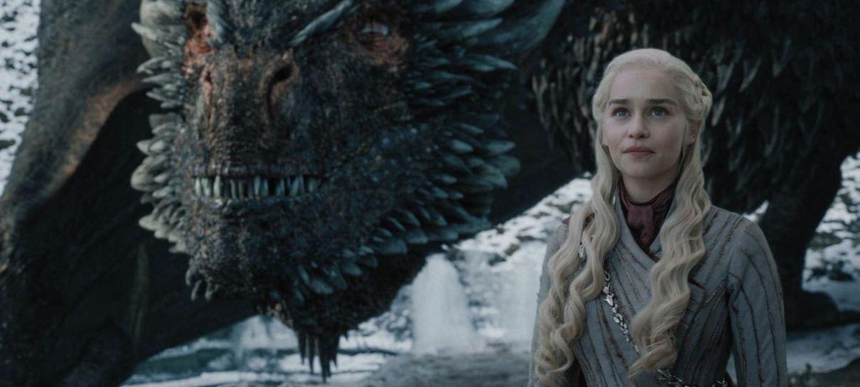 Game of Thrones | Fã sobrevoa cidade com banner pedindo remake da temporada final