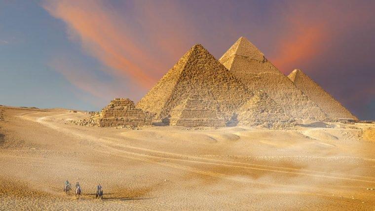 Cemitério dos construtores das pirâmides é encontrado no Egito