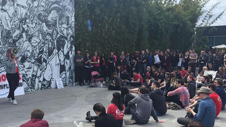 Funcionários da Riot Games fazem passeata em protesto à arbitragem privada obrigatória