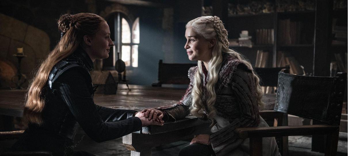 Game of Thrones | Emilia Clarke e Sophie Turner se despedem da série no Instagram