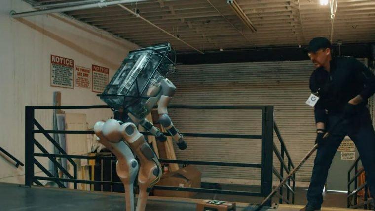 Vídeo do robô da