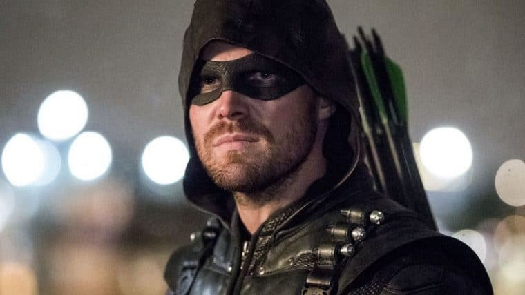 Stephen Amell compara final de Arrow com o de Game of Thrones
