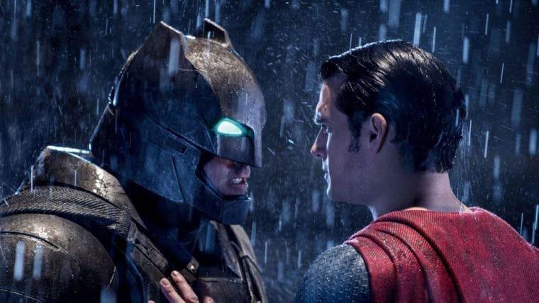 Bruce Campbell acha que Batman vs Superman não deveria ter sido feito