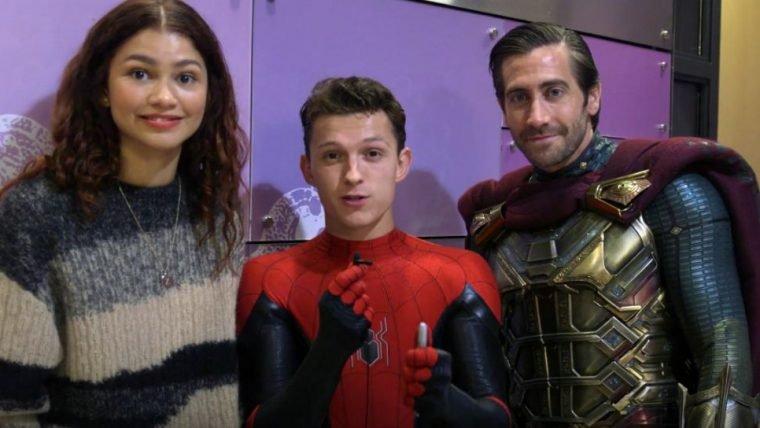 Homem-Aranha: Longe de Casa | Elenco do filme visita crianças em hospital