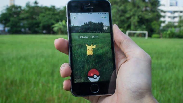 Jogador de Pokémon GO é parado pela polícia por usar oito telefones para jogar
