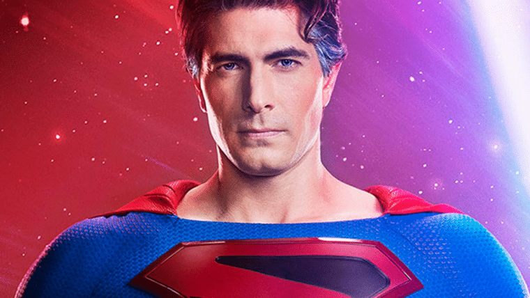 Arrowverse | Superman de Brandon Routh tem uniforme revelado