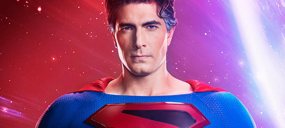 Arrowverse | Superman de Brandon Routh tem uniforme revelado