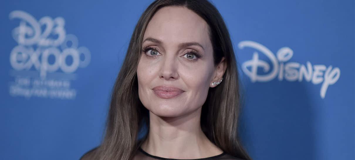 Fotos dos bastidores de Os Eternos revela visual de Angelina Jolie como Thena