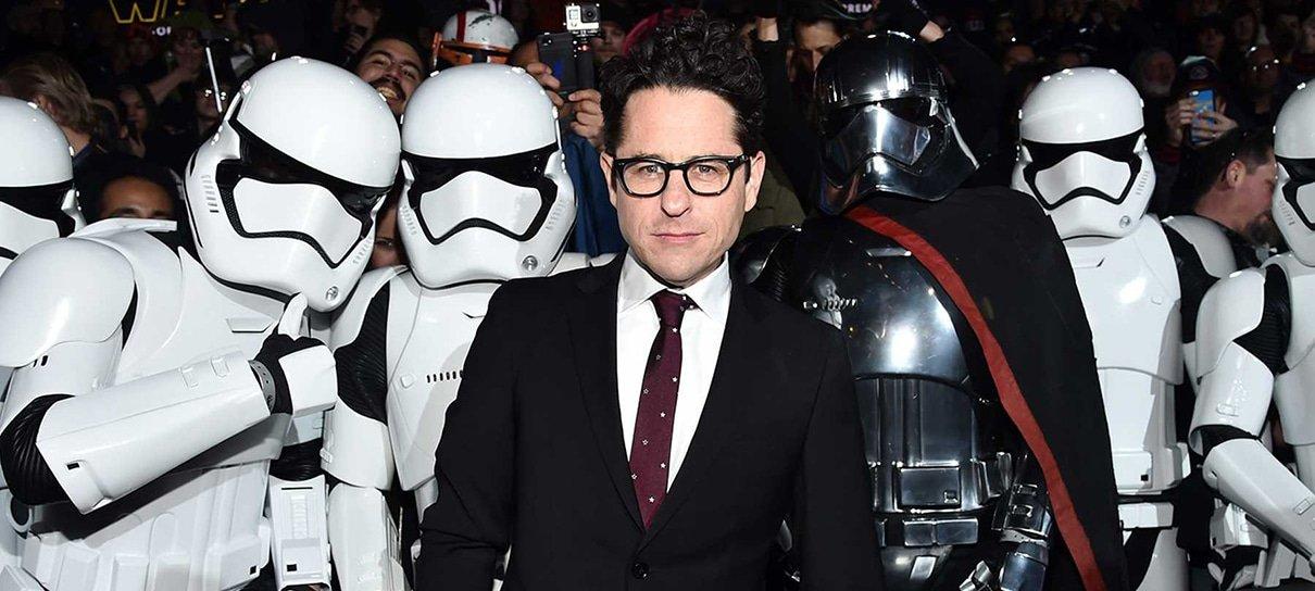 J. J. Abrams fala sobre os fãs raivosos de Star Wars