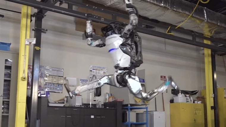 Robô da Boston Dynamics dá cambalhotas em novo vídeo