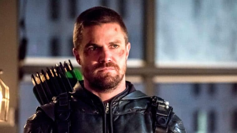 Showrunner de Arrow posta