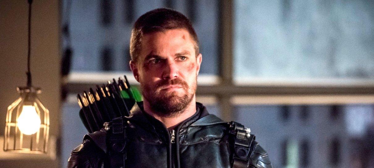 Showrunner de Arrow posta