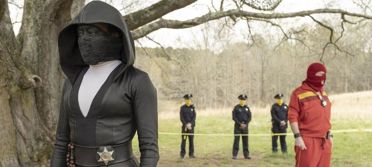 Watchmen | Série estreia com trama instigante, narrativa engenhosa e referências à HQ