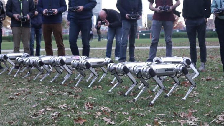 Mini robôs do MIT jogam futebol e mostram proezas em vídeo