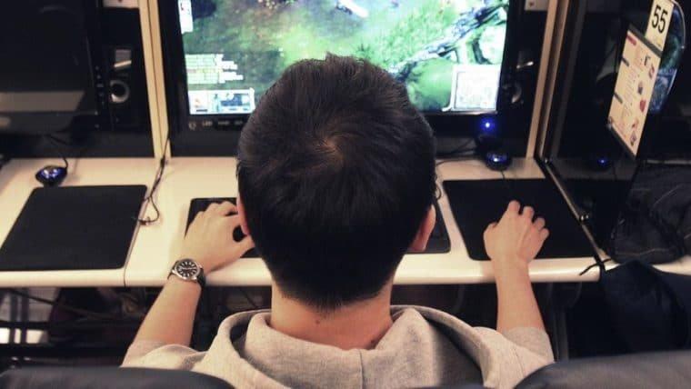 China impõe limite de tempo em jogos online para menores de idade