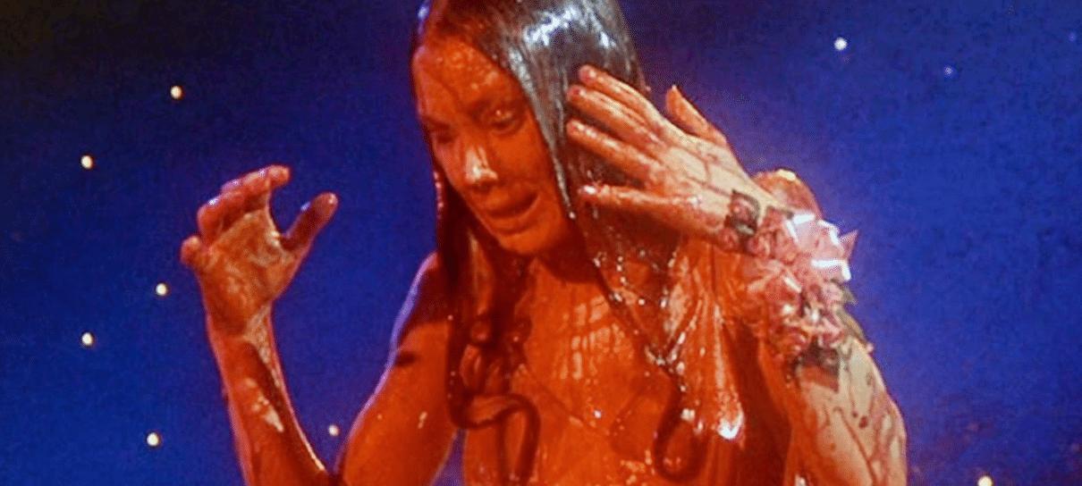 Carrie, a Estranha vai ganhar minissérie