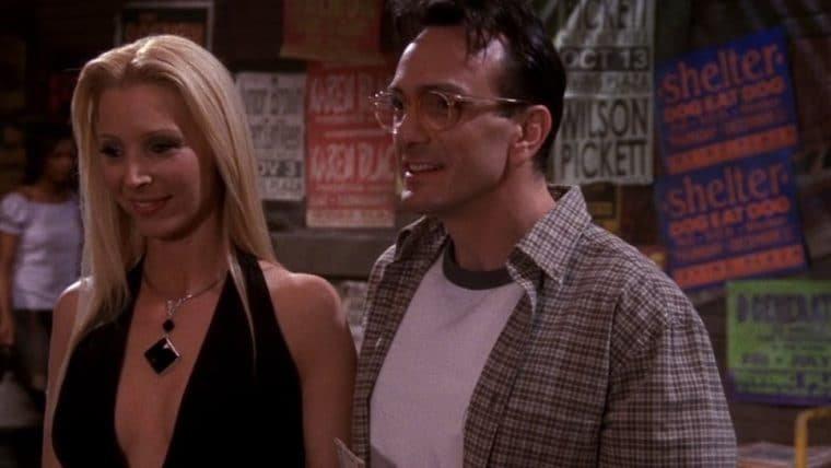 Criador de Friends revela que Phoebe quase se casou com David no final da série