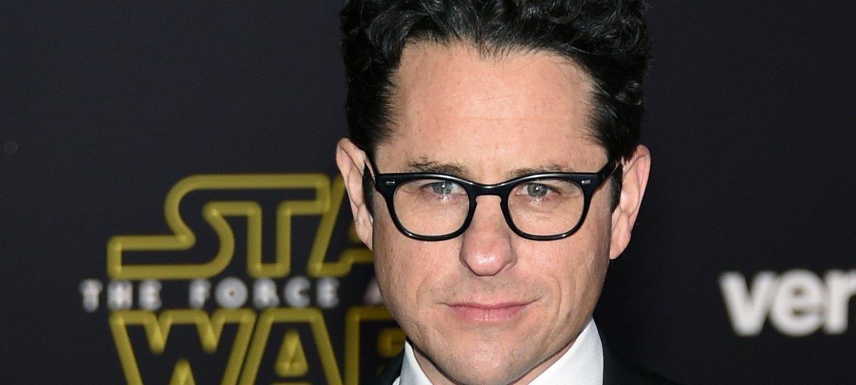 Star Wars | J. J. Abrams diz ser grato a Rian Johnson pelo trabalho em Os Últimos Jedi