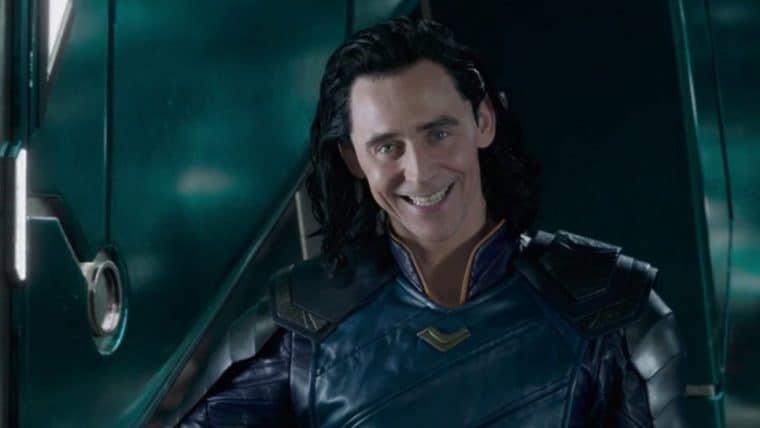 Tom Hiddleston comemora o início da produção de Loki