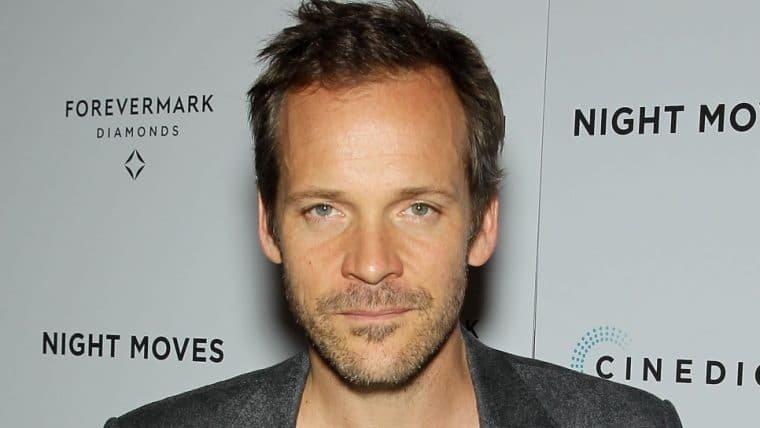 Matt Reeves confirma Peter Sarsgaard em The Batman