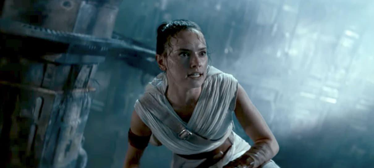 Roteirista de Star Wars: A Ascensão Skywalkerfala sobre mistério da família da Rey