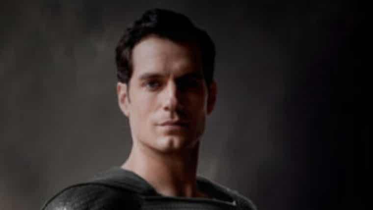Zack Snyder publica foto de Superman de traje preto e traz esperança pelo Snyder Cut