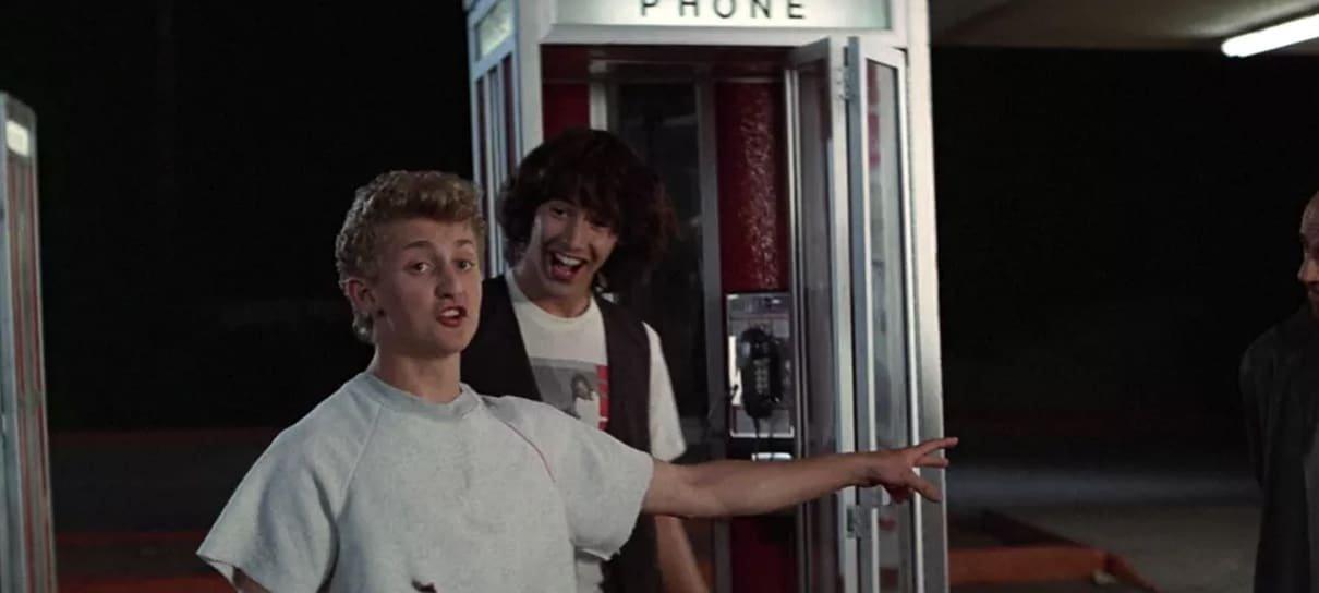 Bill & Ted 3 | Nova imagem mostra os protagonistas e a cabine telefônica