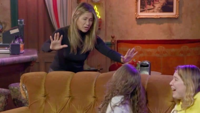 Friends | Jennifer Aniston assusta fãs no cenário do Central Perk