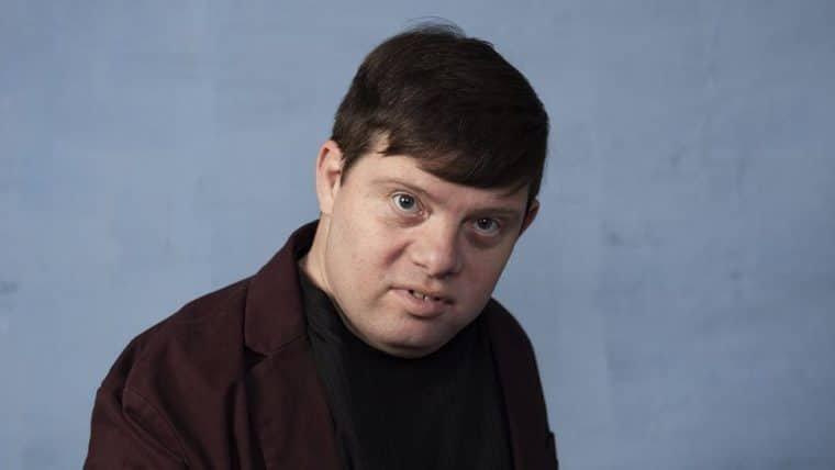 Zack Gottsagen é o primeiro ator com síndrome de down a apresentar o Oscar