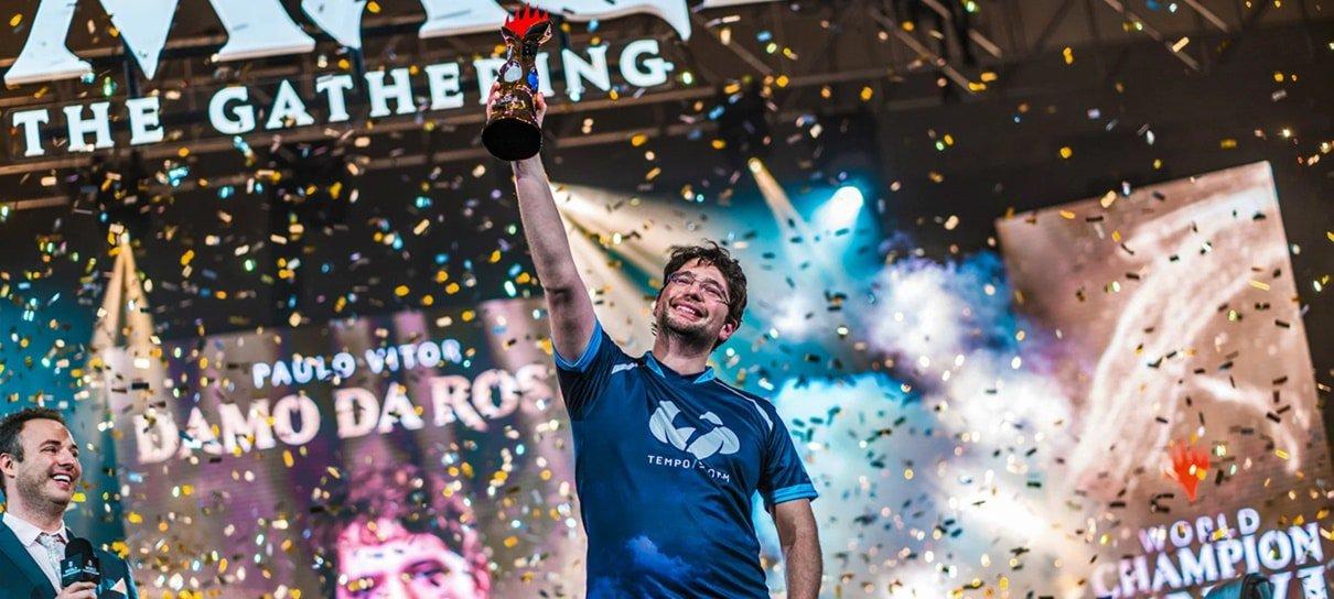 Brasileiro faz história e se torna campeão mundial de Magic: The Gathering