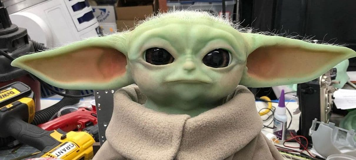 Grant Imahara, do Caçadores de Mitos, fez um Baby Yoda animatrônico quase perfeito