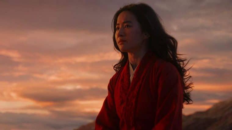 Diretora de Mulan agradece o apoio dos fãs após adiamento do filme