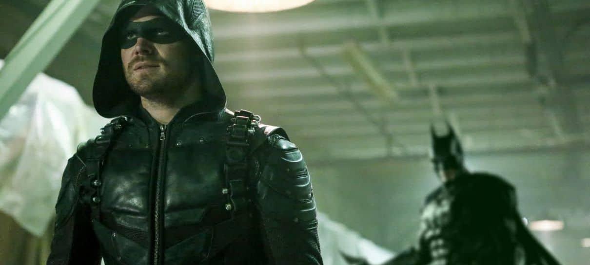 Arrow | Final original da série teria ligação com Batman