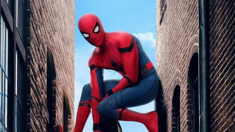 Homem-Aranha | Jon Watts faz pôster zoeiro com herói trabalhando em casa