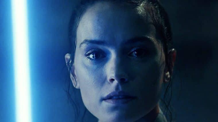 Livro de Star Wars revela mais informações sobre a família da Rey e ligação com Palpatine