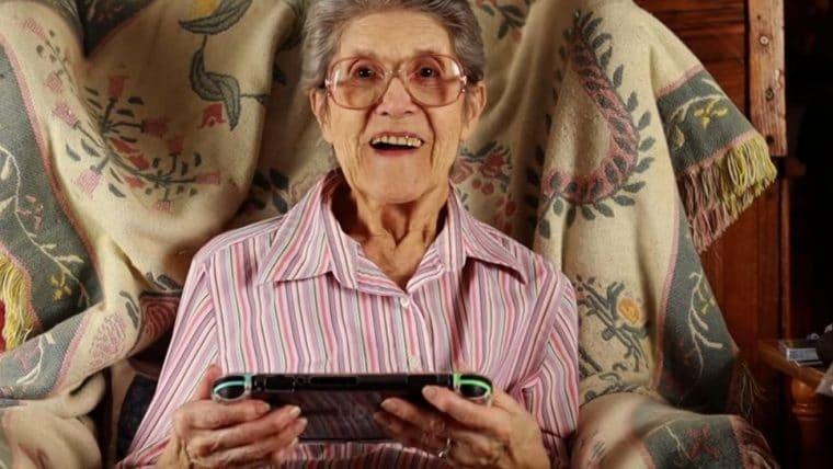 Senhora de 87 anos que virou NPC em Animal Crossing ganha Switch temático do jogo