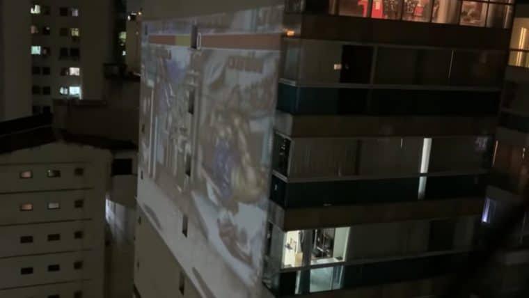 Brasileiros projetam Street Fighter e Mario em prédios para jogar durante a quarentena