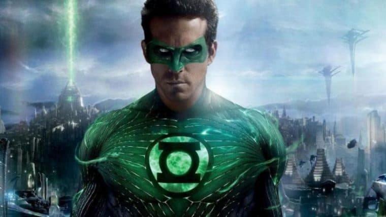 Ryan Reynolds fala para fã ficar longe de Lanterna Verde
