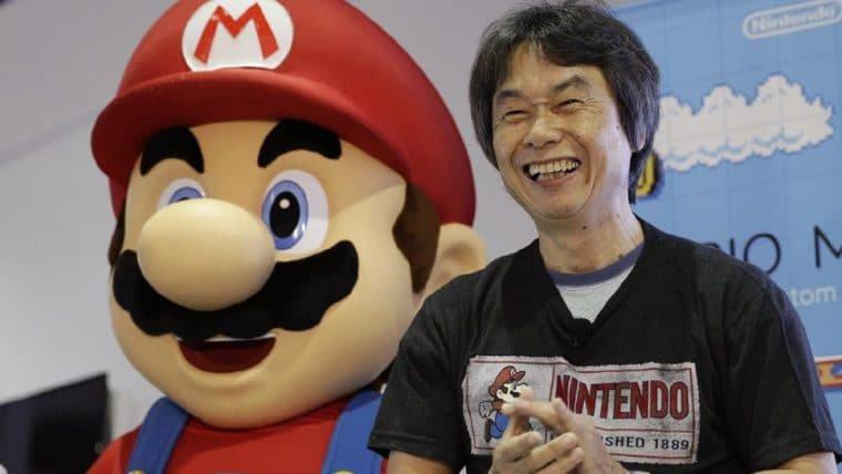 Shigeru Miyamoto, criador do Mario, desenha o personagem à mão livre