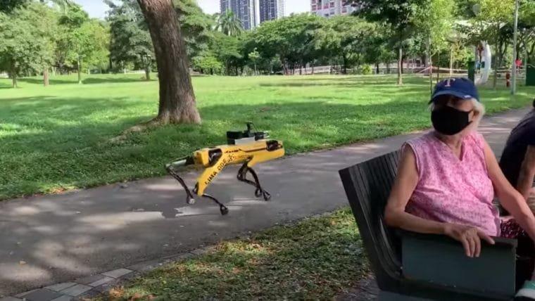 Singapura está usando robôs da Boston Dynamics para monitorar distanciamento social
