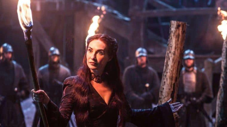 Game of Thrones | Atriz de Melisandre chama os fãs que não gostaram do final de