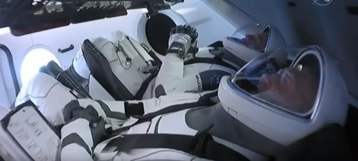 Lançamento da primeira missão tripulada da SpaceX é adiado