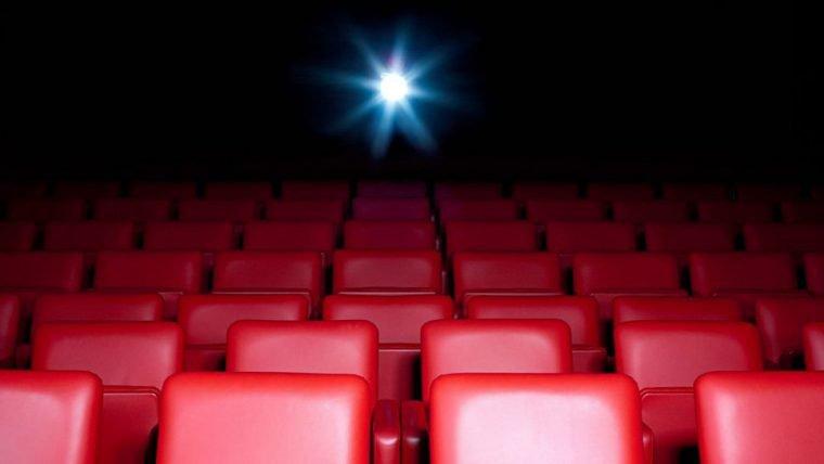 CEO do Cinemark acha que cinemas não vão retornar ao ritmo total até 2022
