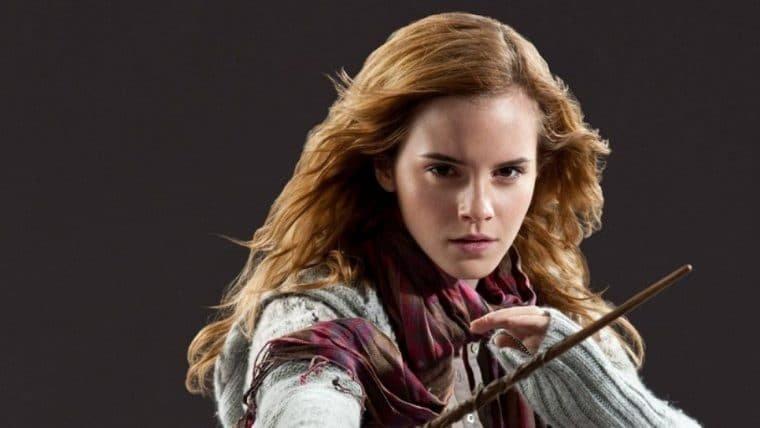 Depois de comentários de J.K. Rowling, Emma Watson demonstra apoio à comunidade trans