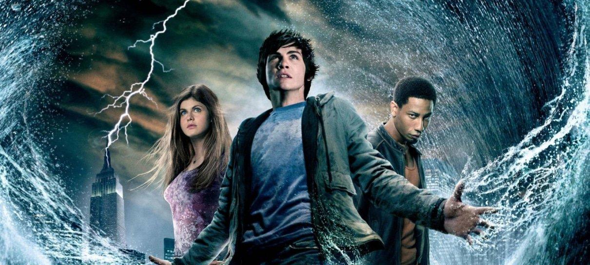 Autor de Percy Jackson volta a reclamar dos filmes e diz que série consertará os erros
