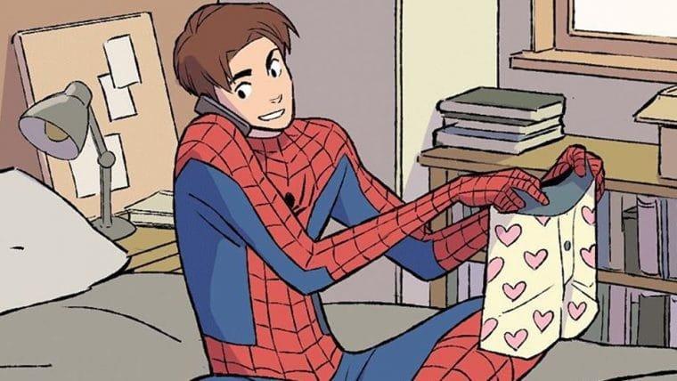Homem-Aranha está relaxando em casa na webcomic Heroes At Home, da Marvel
