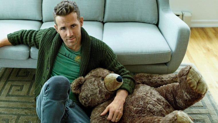 Ryan Reynolds oferece US$ 5 mil de recompensa por ursinho de pelúcia perdido