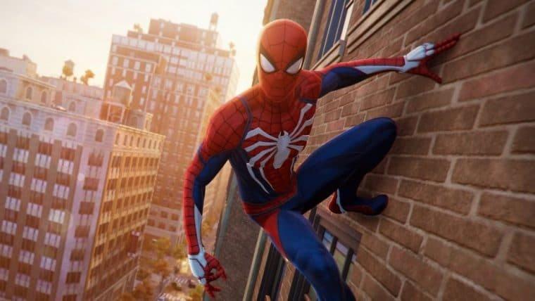Homem-Aranha da vida real se balança em prédios de Nova Iorque