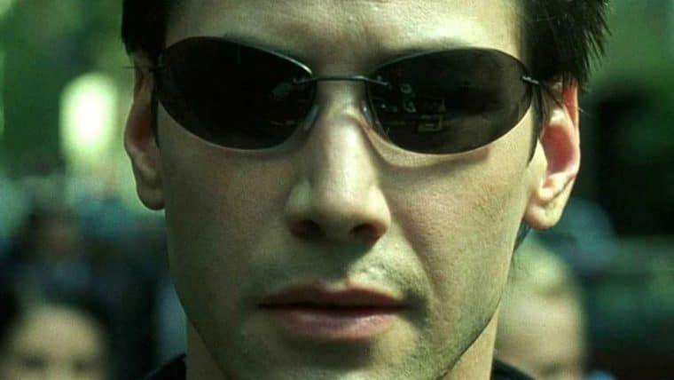 Keanu Reeves fala sobre Matrix ser uma metáfora trans